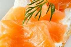 Вкусные рецепты: Тарталетки с рыбным муссом, Пляцки, Картофельные бисквиты с орехами