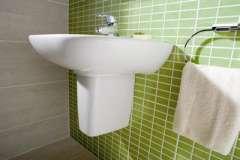 Методики и шаги конопатки дома или бани из сруба